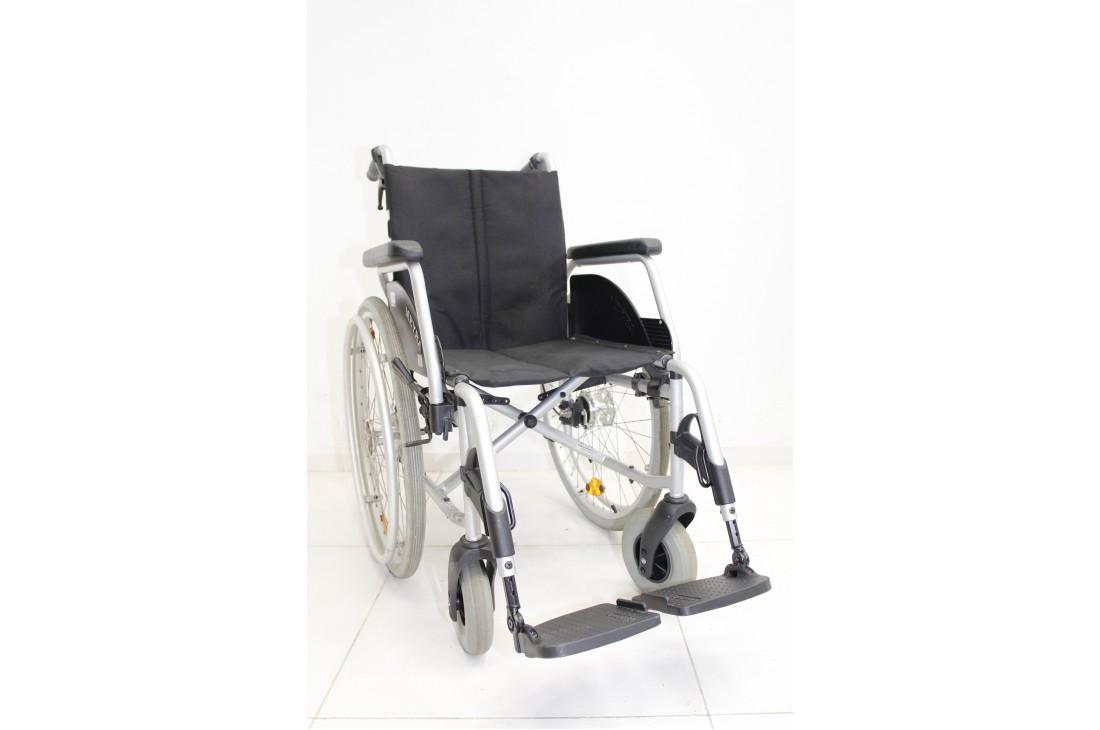 Wózek inwalidzki Meyra - szerokość siedziska 43 cm | 348