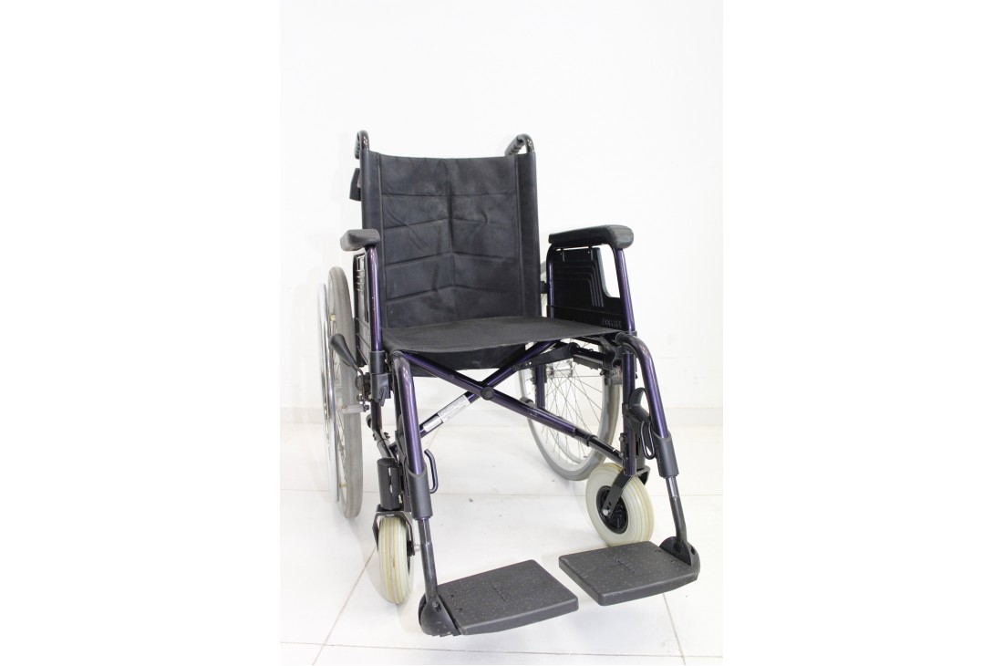 Wózek inwalidzki Meyra - szerokość siedziska 45 cm | 350