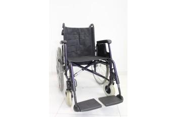 Wózek inwalidzki Meyra - szerokość siedziska 45 cm   350