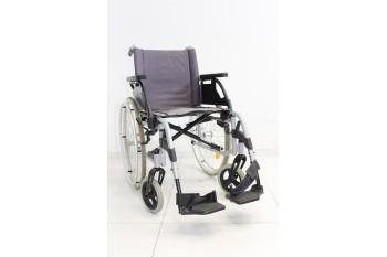 Wózek inwalidzki Breezy - szerokość siedziska 43 cm | 351