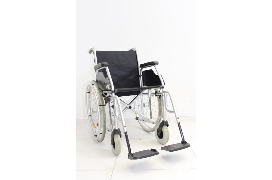 Wózek inwalidzki Meyra - szerokość siedziska 42 cm | 354
