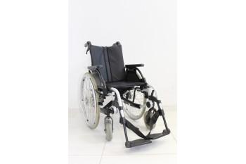 Wózek inwalidzki Breezy - szerokość siedziska 40 cm | 355