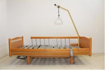 Łóżko rehabilitacyjne, elektryczne, 4-funkcyjne Volker, Aluminiowe + Wysięgnik
